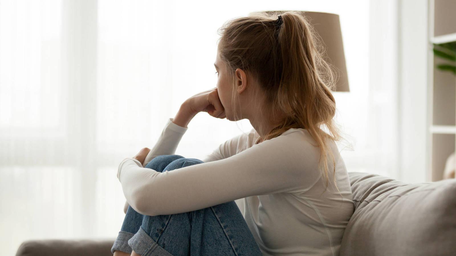precarizacion laboral redes sociales y machismo la ansiedad juvenil